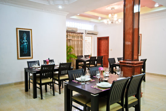 Lotus Luxury Villa: Restaurant