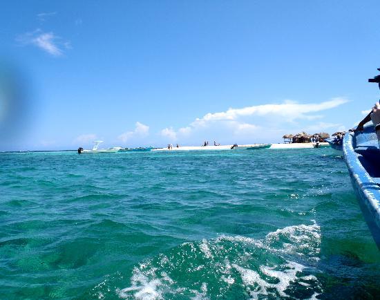 Mel Tours: Paradise Island