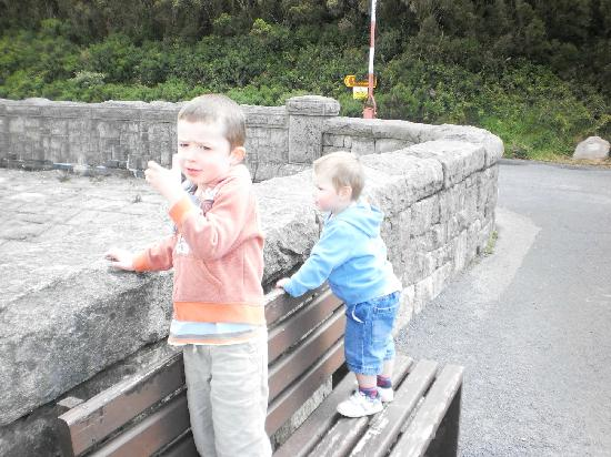 Kilkeel, UK: kids at the lower dam