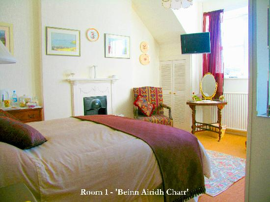 Kirkhill House Bed and Breakfast: Room 1 - 'Beinn Airidh Charr'