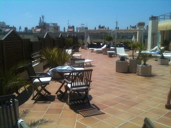 Royal Plaza Hotel: roof terrace