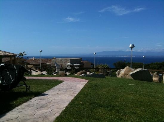 Residence Punta Falcone: Vista Corsica