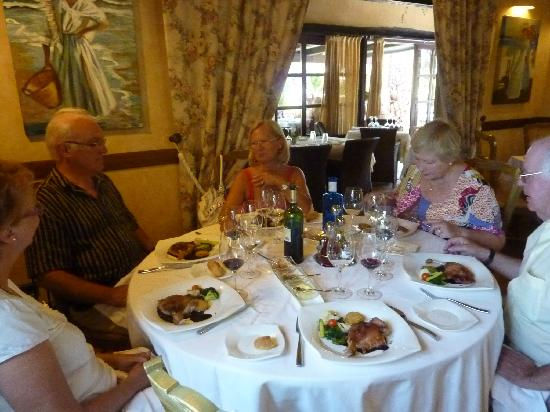 Restaurante Masena: la table et le cadre du déjeuner au Massena