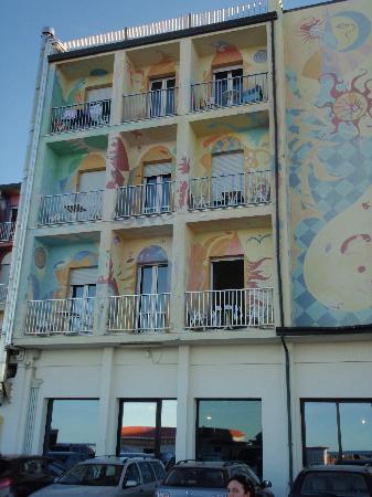 Hotel Stella Maris : Hotel visto dal retro (lato spiaggia)