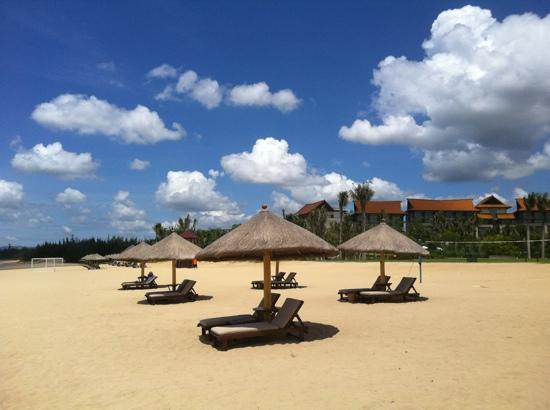 Renaissance Sanya Resort & Spa: beach
