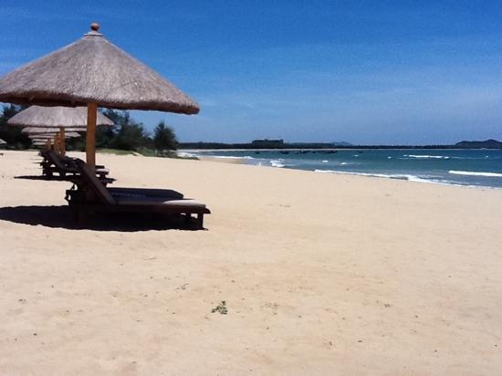 Renaissance Sanya Resort & Spa: пляж