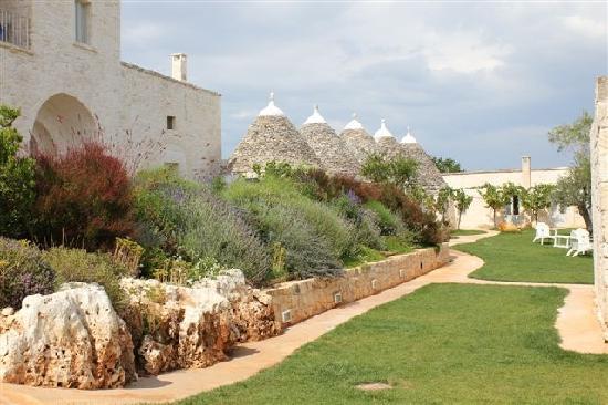 Masseria Cervarolo: On Site Gardens and Trulli