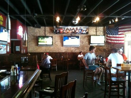 Moe's Crosstown Tavern: moes