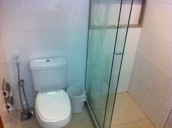 Hotel Granada: Banheiro2