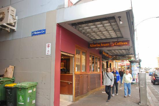 Gloria Jeans Flinders Street Melbourne: Front of the store