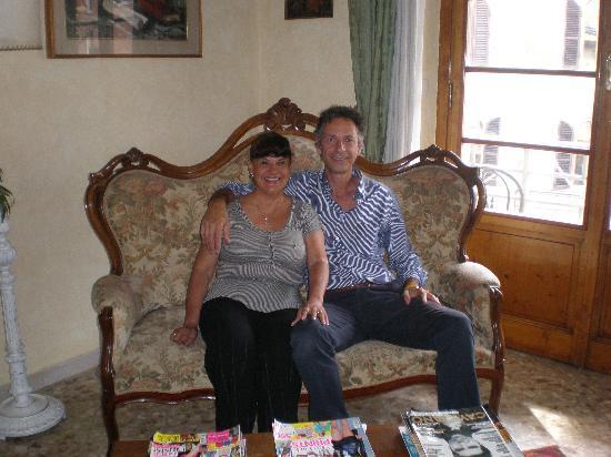 Old Florence Inn Bed and Breakfast: Con mi colega FLORENCIO,magnifico ser humano y excelente dueño y administrador.
