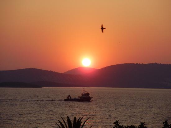 Hotel Mavi Holiday Village : Famous sunsets