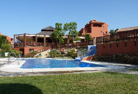 Albayt Resort: piscina