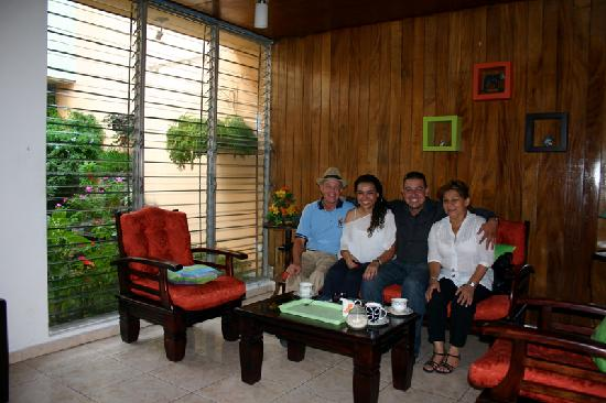 Hostal Cumbres del Volcan: Me in our public lounge with friends