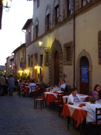La Toppa : outside