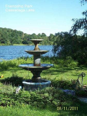Lily Dale, Nowy Jork: Cassadaga Lake and the Friendship Garden