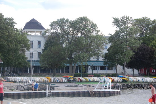Hotel Lakeside: View of hotel from the lake