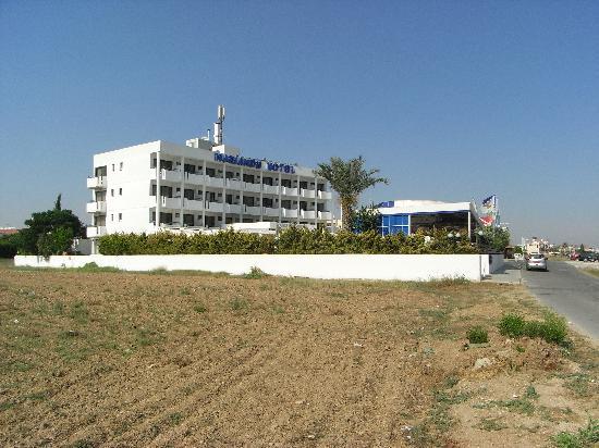 Mariandy Hotel : The hotel.
