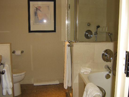 Sofitel New York: the bathroom