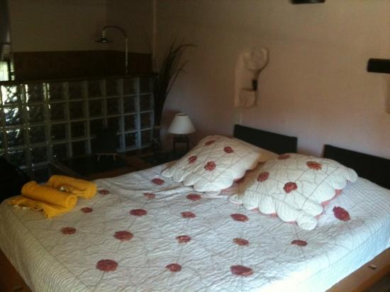 Le Mas Julien : COMFY bed!!!!!