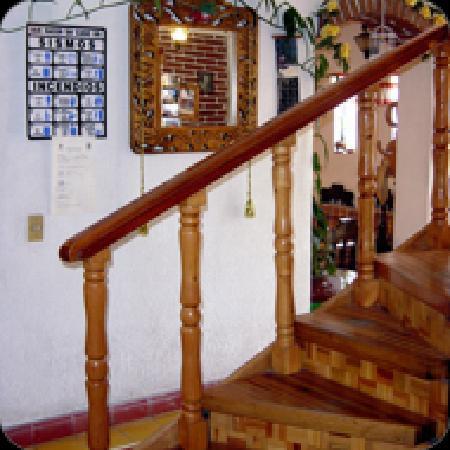 Hotel Morenita : disfrute de la artesania local el trabajo en madera un claro ejemplo es nuestra escalera bellame