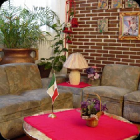 Hotel Morenita : la sala de juegos y lectura ofrece el intercambio de experiencias en la region y puede darse a l