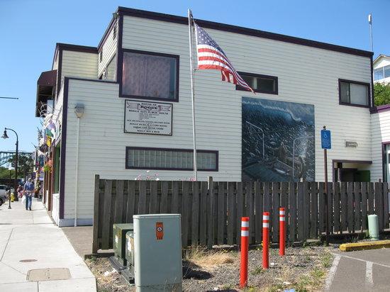 Rogue Ales Bayfront Public House : Exterior Shot