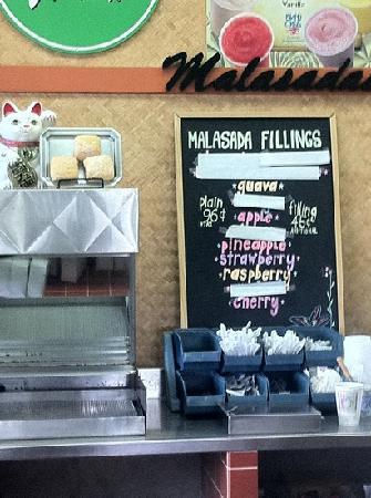 Tex Drive In & Restaurant: マラサダ。そのままでも旨し、グァバなどのジャムを詰めたものを食べるのも旨し。