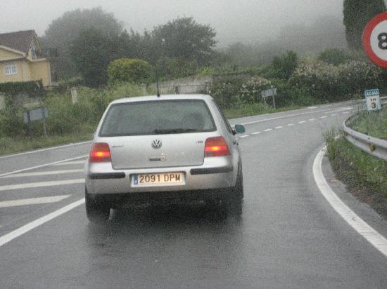 Laxe, Spain: Sigue al coche y te llevará al hostal D.P.M.