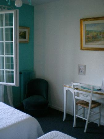 Canto Cigalo : Clean and quiet rooms