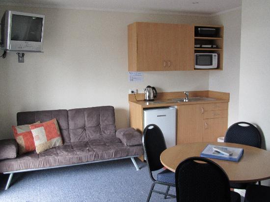Adventure Lodge & Motel : One Bedroom motel unit
