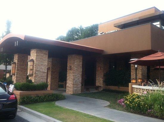 Seasons 52 - Perimeter: front entrance