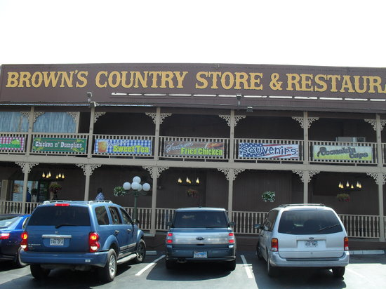Brown's Country Store & Restaurant: Picture of the outside