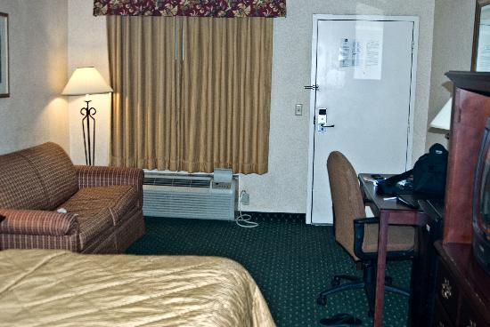 Quality Inn Easton: Main Room