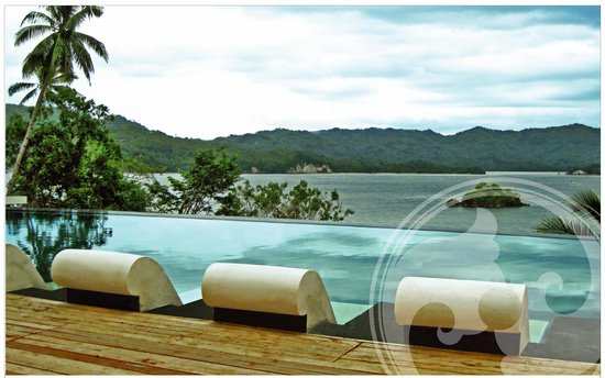 DABIRAHE Dive, Spa and Leisure Resort (Lembeh): View from Pool accross Lembeh strait