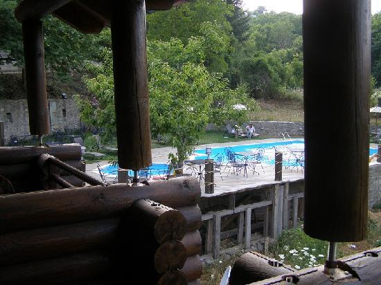 Iliessa: pool from room