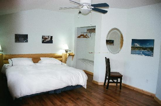 York Creek Bed & Breakfast: The Pass bedroom