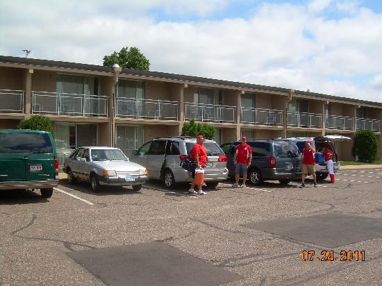 Americas Best Value Inn - Campus View : Team leaving the hotel, two nights stay!