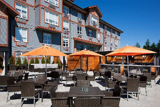 Four Points by Sheraton Victoria Gateway: Cedar Ultra Patio