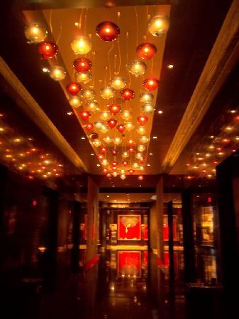 Hard Rock Hotel Macau : Lift lobby