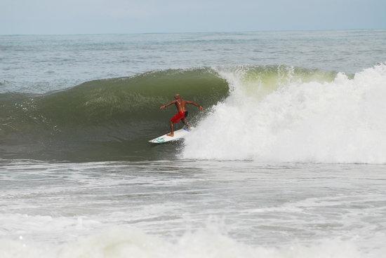 Hotel Playa Bonita: Surf en Playa Bonita