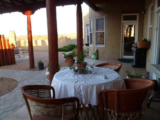 Apache Canyon Ranch Bed & Breakfast