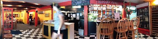 Storm Cafe: Pano of inside - early evening