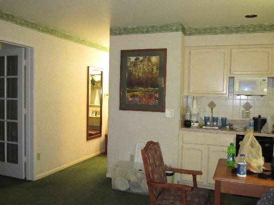 Old Town Inn: the living area w/ kitchenette