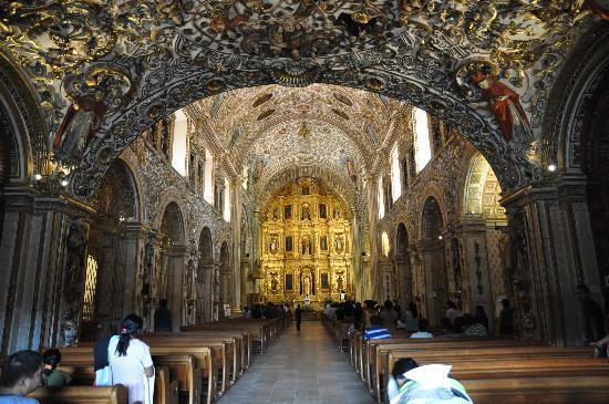 Iglesia de Santo Domingo: interno