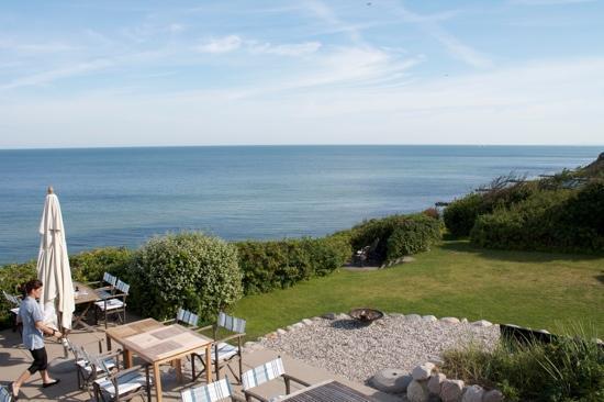 Helenekilde Beach Hotel : A nice garden.
