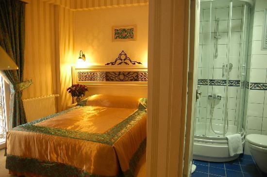 Hotel Novano: Double room with french bed