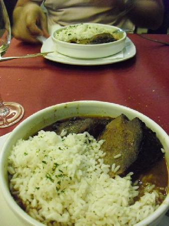 Taperia Yunque: carne con arroz