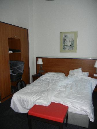 Hotel Fürstenhof am Bauhaus: Our Room