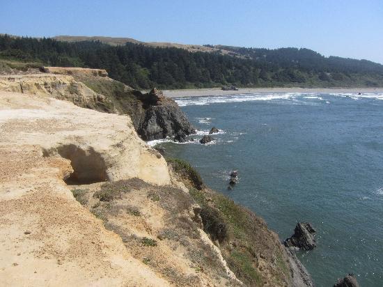 Otter Point State Recreation Site: Sandstone Edges